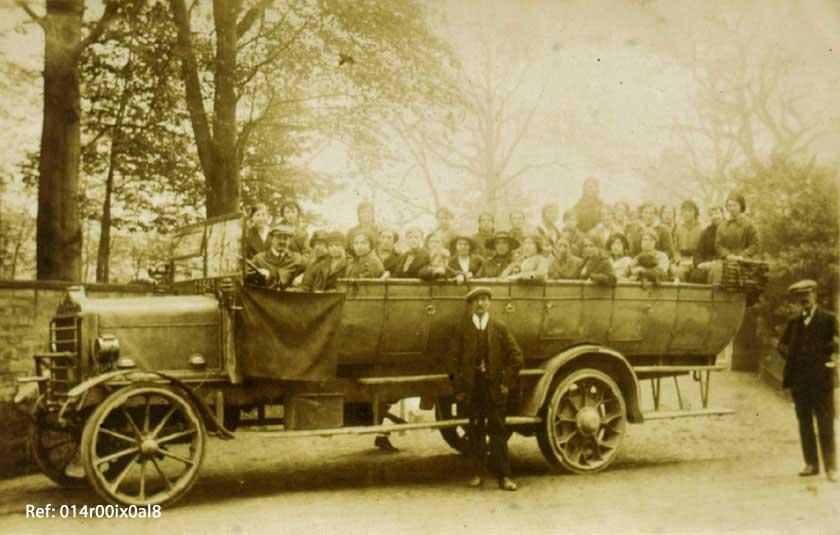 Charabanc and passengers 1919-1920s.