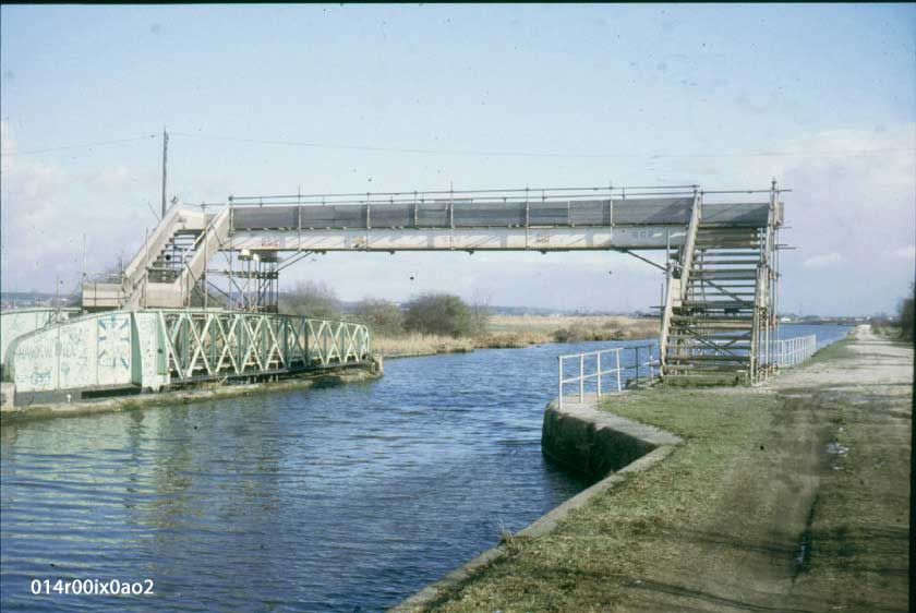 Temporary wood and scaffold bridge over the canal 1984