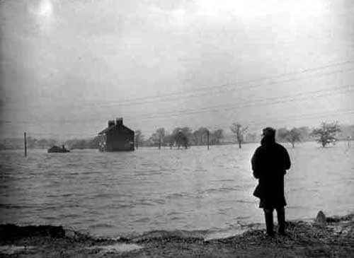 Looking at the flooded Junction Inn